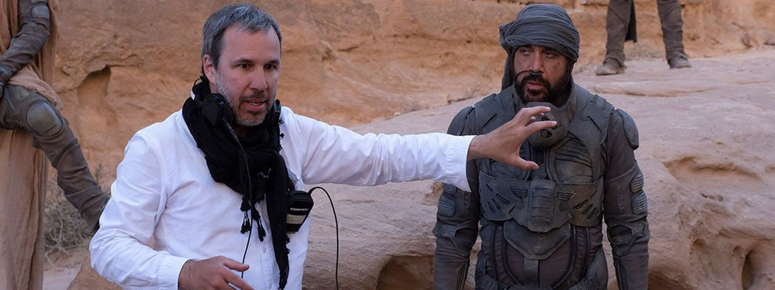 Diretor Denis Villeneuve no set de filmagens de Duna. (Foto: Reprodução/ Warner Bros.)