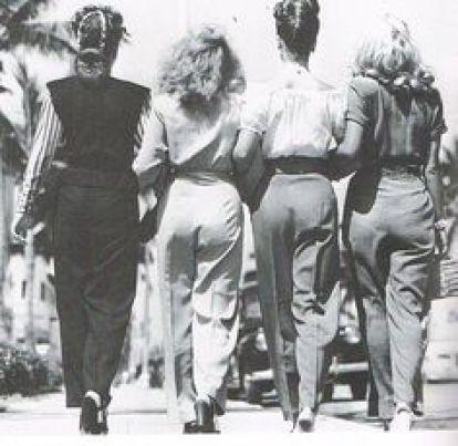 Mulheres usando calça em 1946