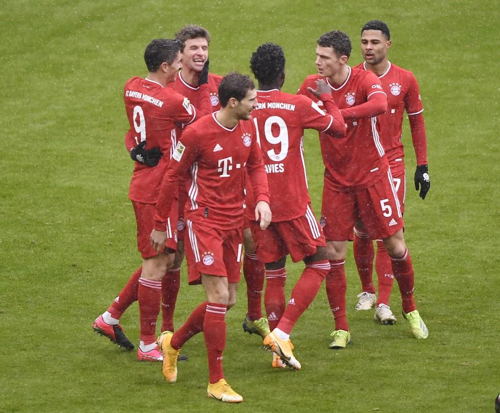 Jogadores do Bayern comemorando (Foto: Reuters)