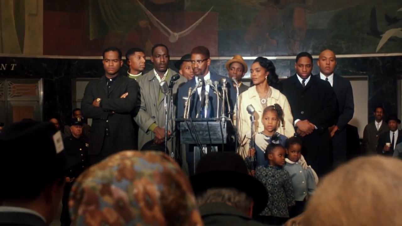 Malcolm em discurso já com novos ideais - Malcolm X (1992)