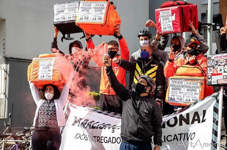 Foto: Arthur Amorim @artamorim / Divulgação: @entregadoresantifascistas