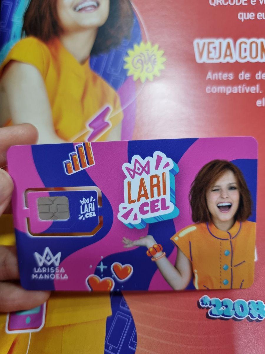 Maísa compartilha nas redes seu chip da Laricel