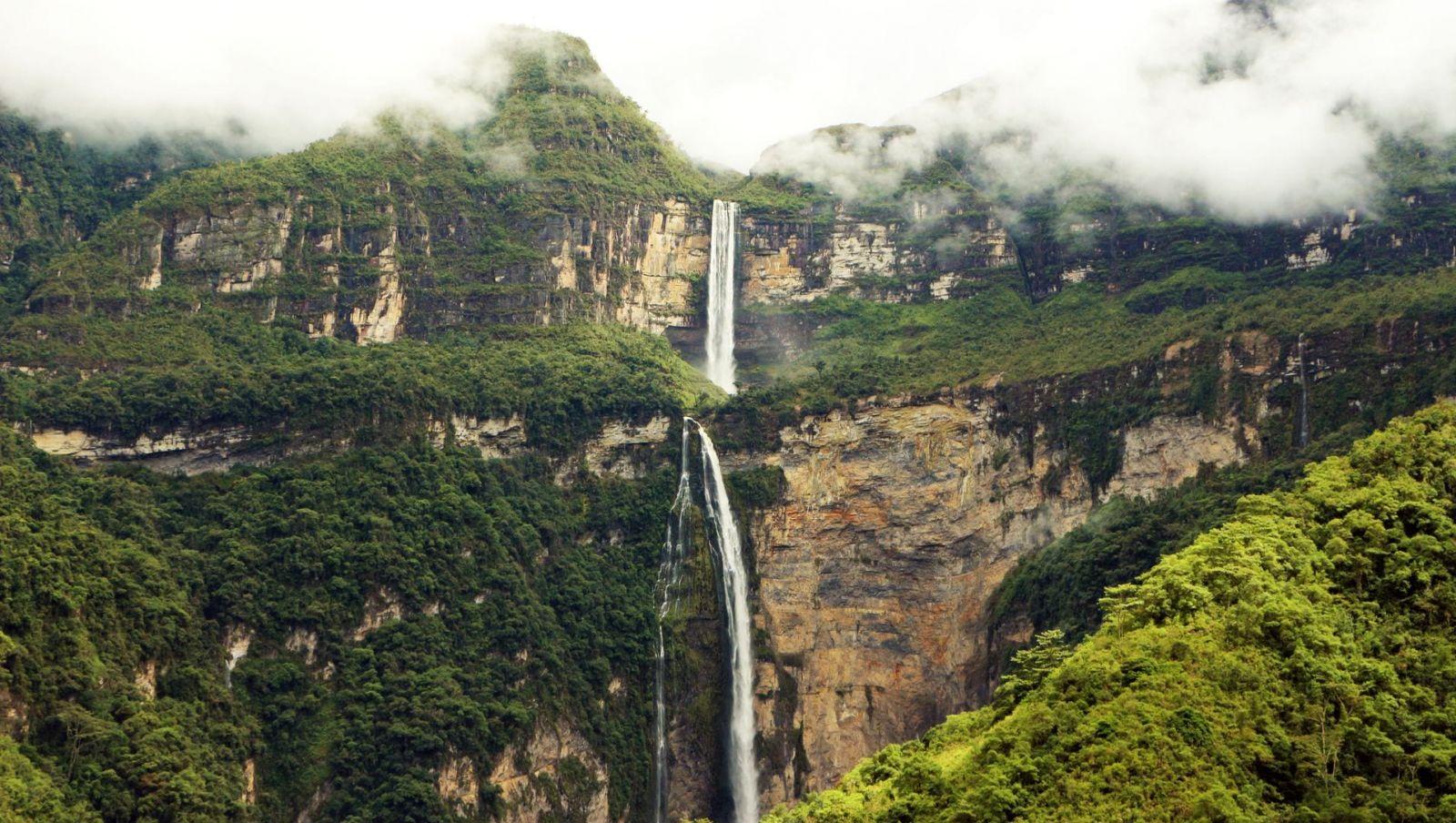 Cataratas de Gocta, com duas quedas localizadas na província peruana de Bongara no Amazonas