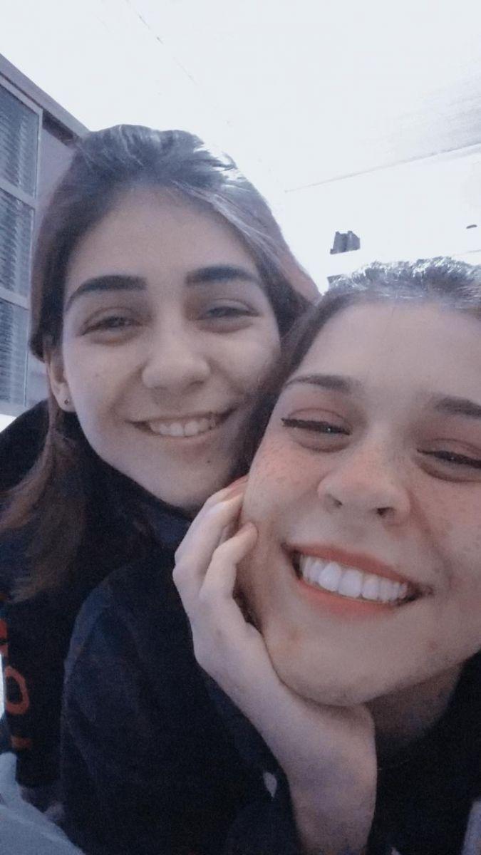 Julia Gil (17) e Maria Eduarda (16)