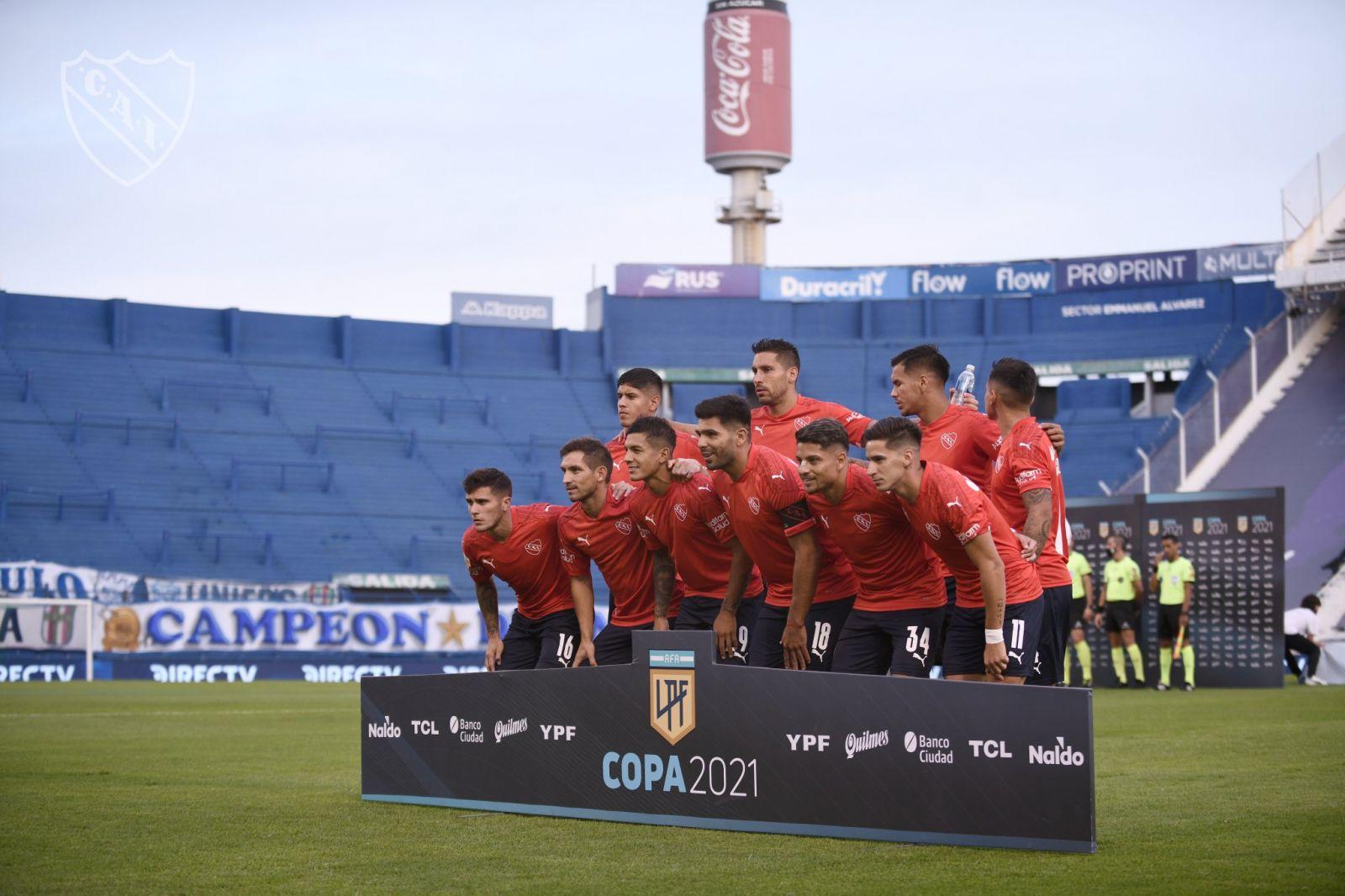 Jogadores do Independiente posam para a foto (Foto: Divulgação/Independiente)
