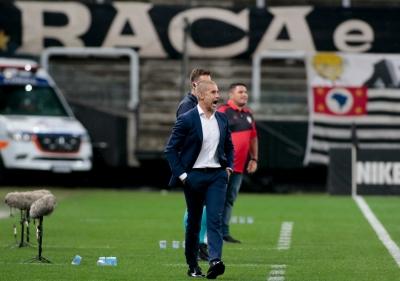 Novo técnico do Corinthians a beira do gramado