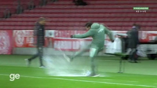Abel extravasa, após vitória sobre o Inter com um jogador a menos (Reprodução/Ge.com)
