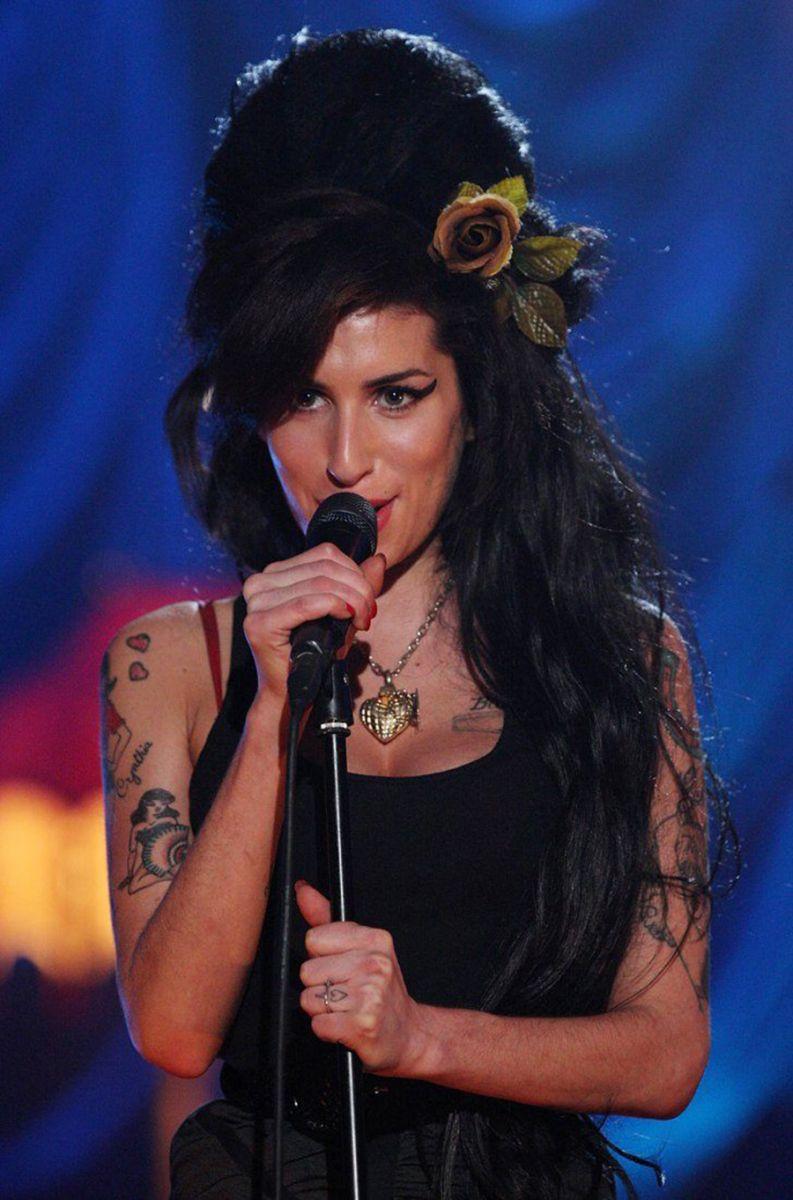 Reprodução/ Amy Winehouse no Grammy de 2008