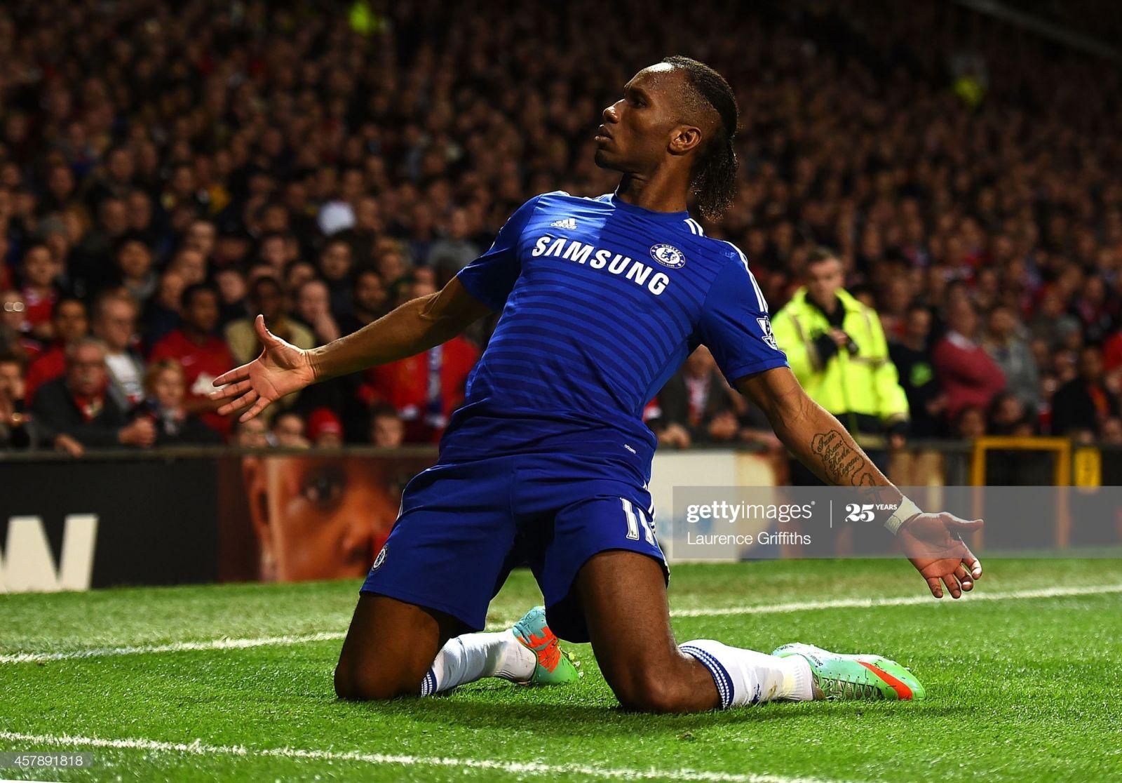 Drogba comemorando o gol durante a Premier League.Reprodução/Foto:Laurece Griffiths/Getty images