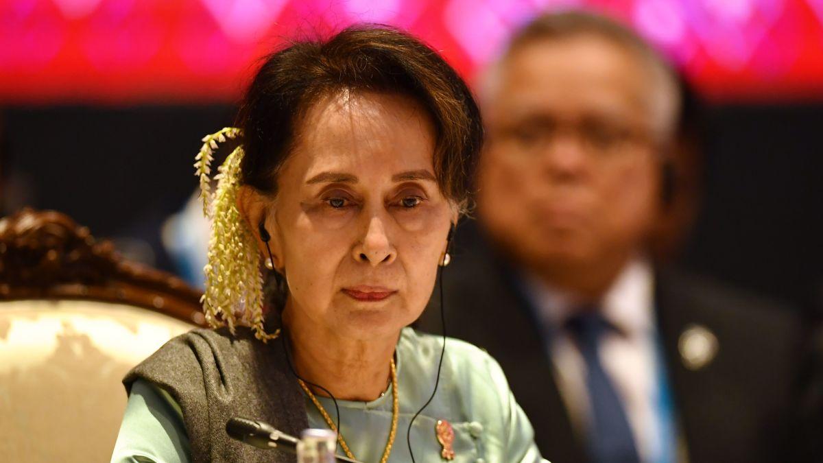 Aung San Suu Kyi, ativista pela democracia e ganhadora de Premio Nobel da Paz em 1991