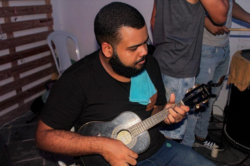 Investindo pesado na música, João Paulo confessa dificuldades para conseguir manter banda em meio à crise sanitária. Foto: Debora Maysa