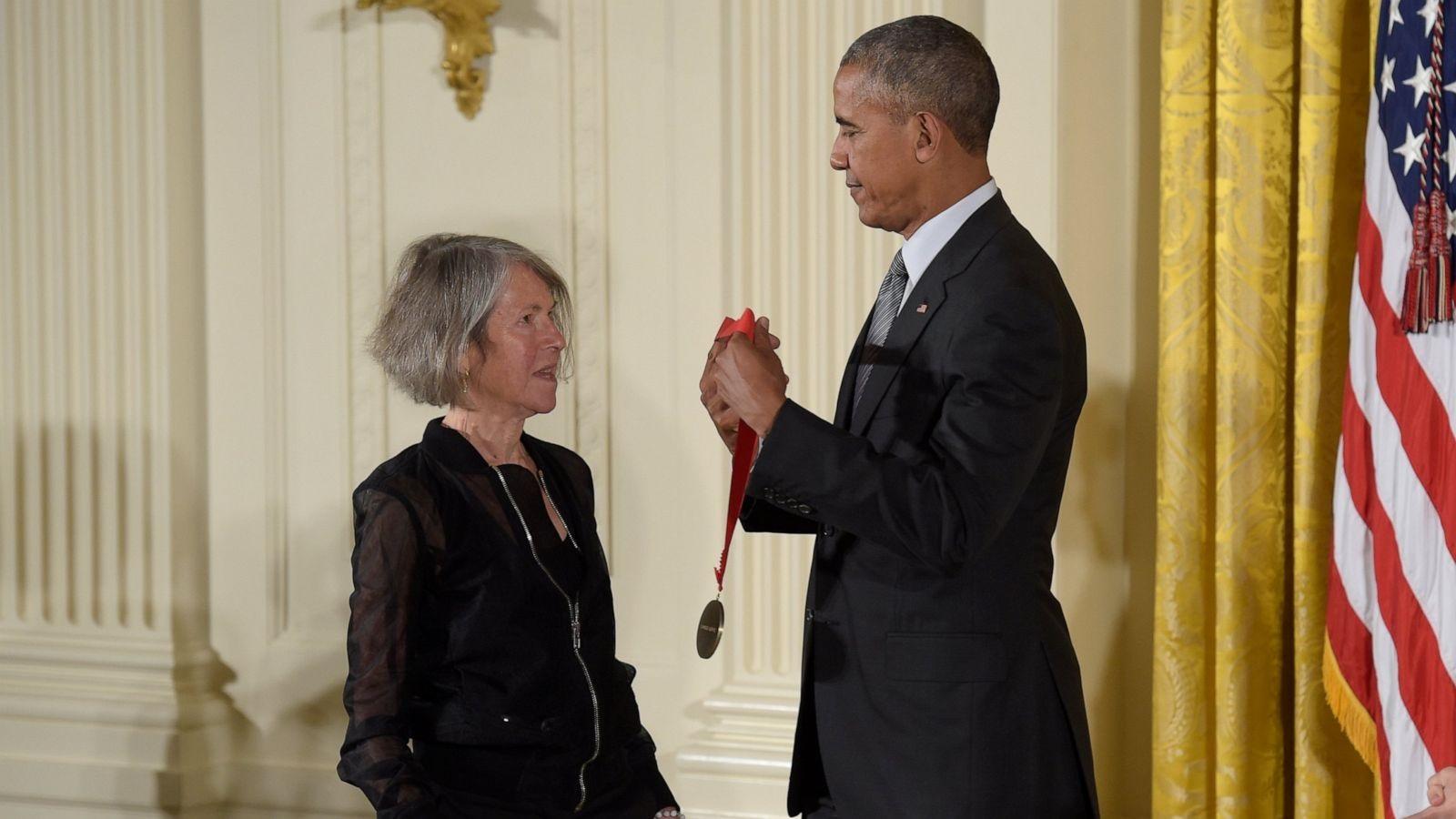 Louise Glück ganha prêmio Nobel de Literatura 2020