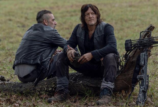 (Negan e Daryl na 10ª temporada de TWD. Reprodução: AMC)