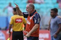 Borja desencanta, mas Palmeiras fica no empate com Bahia