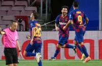 Barcelona ganha do Napoli e passa para as quartas da Champions League