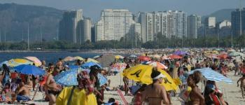 Superlotação das praias no último fim de semana pode aumentar significativamente o número de contaminados por covid-19, diz especialista