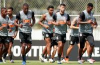 Bahia recebe o Corinthians em jogo atrasado do Brasileirão