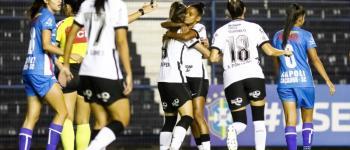 Em estreia pelo Brasileirão Feminino, Corinthians começa com pé direito dentro de casa