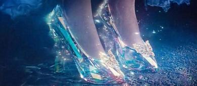 Conto atemporal   a história de Cinderela não se limita a perda de um sapato de cristal