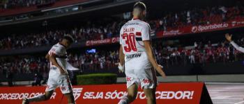 São Paulo supera o Corinthians e encerra série negativa