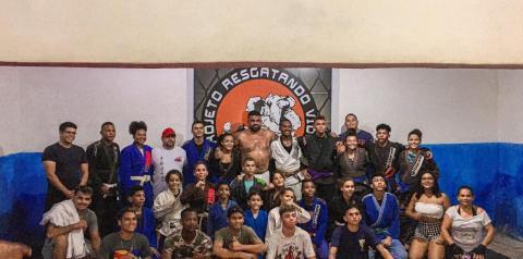 Valorização ao esporte, Vereador Paulo Victor apoia projeto de jiu-jitsu para crianças no bairro do São Bernardo