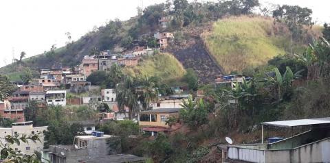 Moradores da comunidade de Jacarepaguá relatam medo diante da atuação de milícias