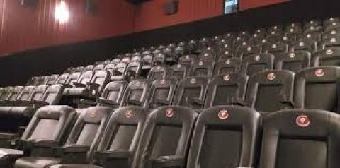 Apenas 8% das salas de cinema no Brasil contam com recursos de acessibilidade