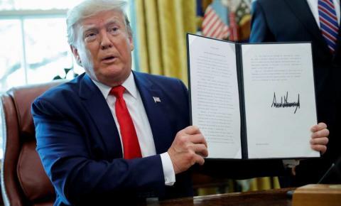 Trump anuncia sanções econômicas ao Irã