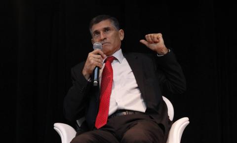 General Santos Cruz diz não saber o que motivou sua saída do Governo