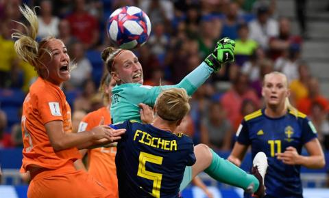 Holanda elimina a Suécia e chega a primeira decisão de sua história