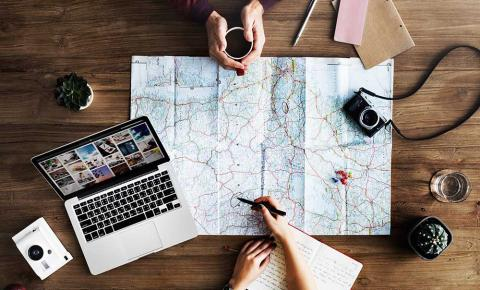 Quatro dicas para viajar economizando