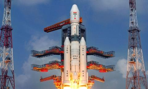 Índia lança com sucesso seu primeiro módulo lunar