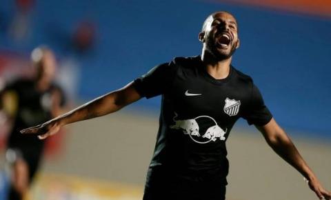 No confronto dos opostos, Bragantino confirma favoritismo e vence Vila Nova