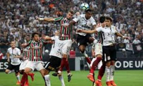 Com treinador interino, Fluminense encara o Corinthians pela Sul-Americana