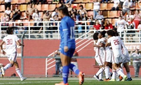 Cruzeiro precisa devolver goleada para conquistar o Brasileirão feminino