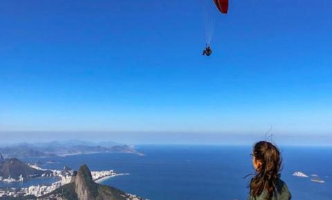 Conheça cinco trilhas para desbravar e curtir a paisagem do Rio