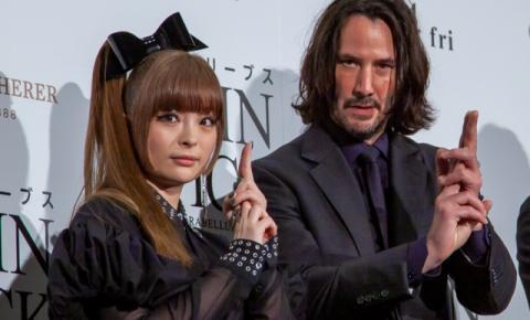Keanu Reeves reproduz jutsu do Naruto em première no Japão