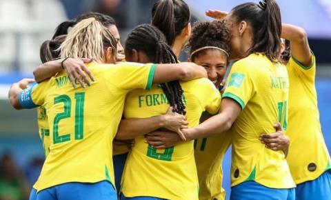As mulheres ganham visibilidade no futebol após o sucesso da Copa do Mundo