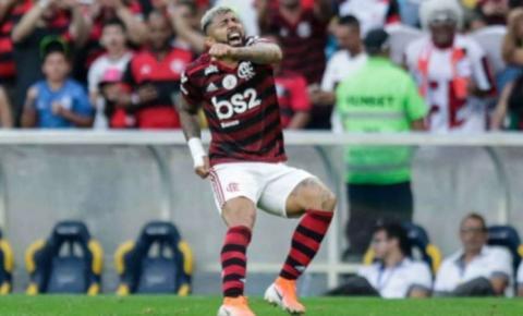 Perto do título brasileiro, Flamengo encara o Botafogo