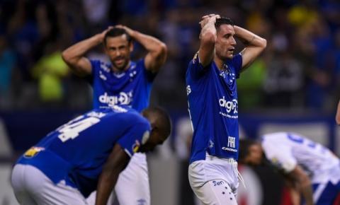 Na luta contra o rebaixamento, Cruzeiro encara o Grêmio