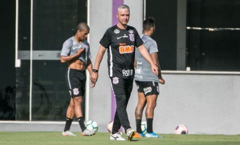 Tiago Nunes anuncia saídas de Ralf e Jadson