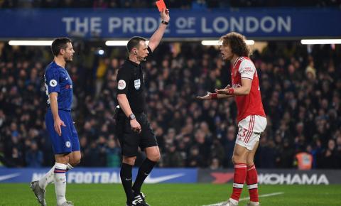 Falhas individuais decretam empate entre Chelsea e Arsenal