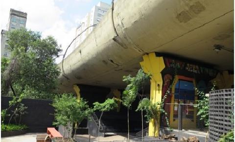 São Paulo ganha mercado criativo embaixo de viaduto