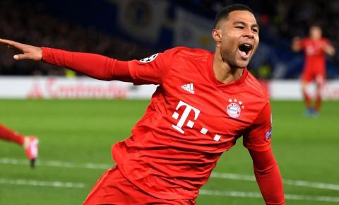 Bayern atropela Chelsea e coloca um pé nas quartas da Champions