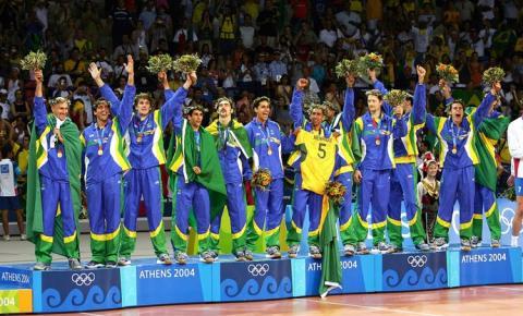 Brasil 2004: Seleção Masculina de vôlei conquistou dois ouros em dois meses