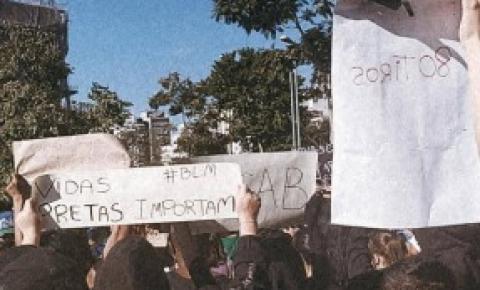 Manifestantes saem as ruas em atos contra racismo e fascismo