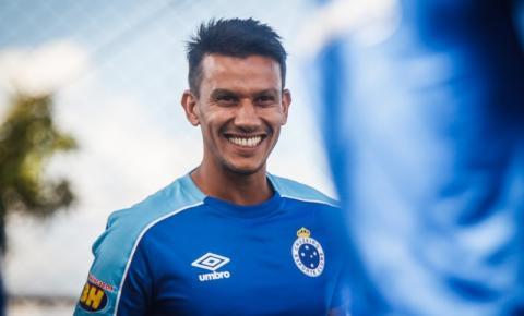 Henrique, volante do Cruzeiro, recebe alta após  sofrer acidente