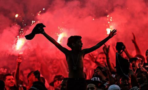 Opinião:  Atos de preconceito nos estádios começam a ser combatidos
