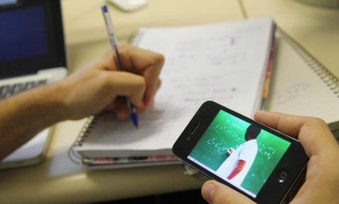 Estudantes da rede pública alegam insatisfações com ensino online e insegurança para prestar vestibulares