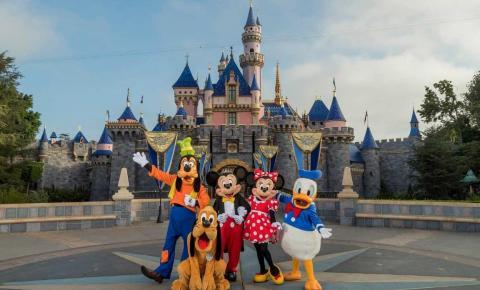 Reabertura precoce dos parques da Disney provoca aumento dos casos de coronavírus